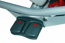 Senior 350 double lateral foot controls for height ajustment_web_komp.jpg